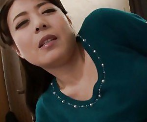 hot sex asian japan mom
