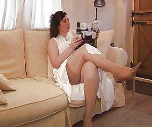 Spreading Mature Pussy Videos