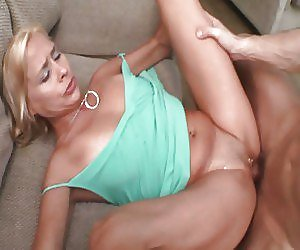 Milf Squirting Videos