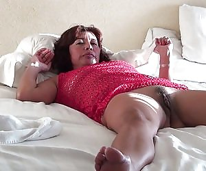 Mature Hairy Pussy Videos